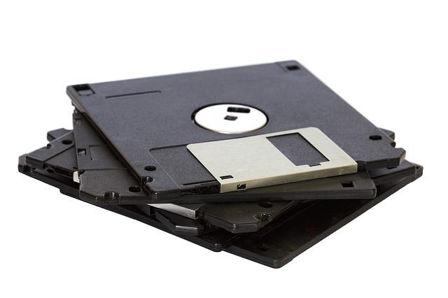 černé diskety
