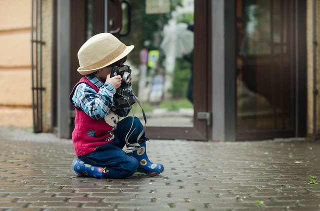 dítě a fotoaparát